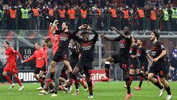 Нелеп автогол донесе обрат от 0:2 и първа позиция за Милан