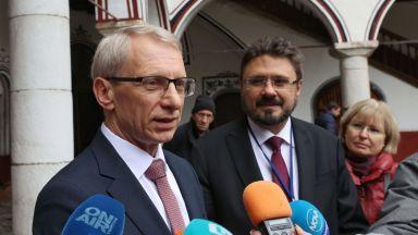 Николай Денков: Антиковид мерките не трябва да са еднакви за всички училища