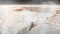 """Телескопът """"Хъбъл"""" откри трайна водна пара на сатурновата луна Европа (видео)"""
