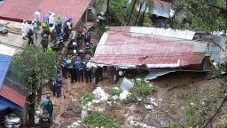 Свлачища и наводнения във Филипините, над 40 жертви