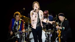 Небивало: Пол Маккартни пее блус кавър с Rolling Stones
