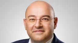 Клиентите на УниКредит Булбанк вече могат да правят и международни преводи в евро през мобилното банкиране