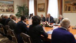 Румен Радев: Вихри се безпрецедентна енергийна криза, да не я политизираме (на живо)