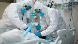 Сестра от видинското COVID отделение: Изписват, умират и настаняват следващите