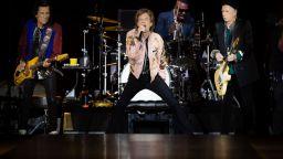 """Скочиха срещу """"Rolling Stones"""" за още песни – звучали сексистки и расистки"""