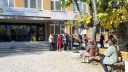 Пловдив в тъмночервената зона: всеки трети пред Covid центровете е заразен