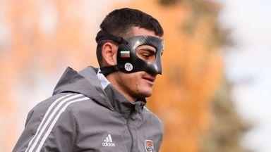 Капитанът на България поднови тренировки с патриотична маска