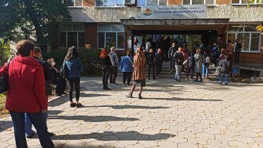 Служители на РЗОК-Пловдив на бунт срещу зелените сертификати