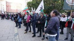 Протест пред Президентството заради новите COVID мерки, демонстрации имаше и в цялата страна