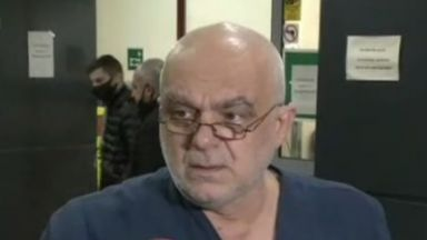"Медици от ""Пирогов"" на опашка за тест"", началник COVID-клиника: Идеолозите да заповядат да лекуват"