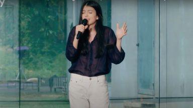 Българката Никол Паласчева е първата чужденка, стигнала до големите концерти в X-Factor Италия