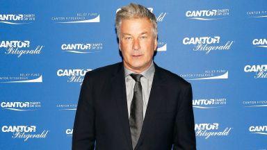 Асистент-режисьорът, дал зареденото оръжие на Алек Болдуин, бил уволнeн през 2019 г. за подобен инцидент