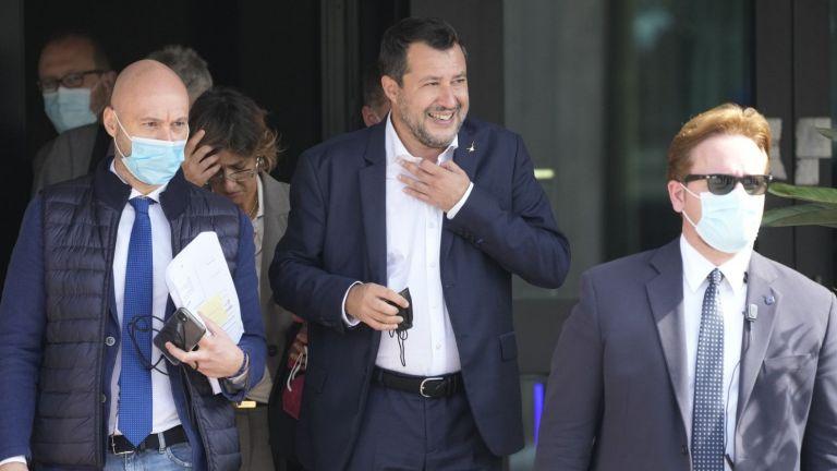 Бившият италиански министър на вътрешните работи Матео Салвини бе изправен