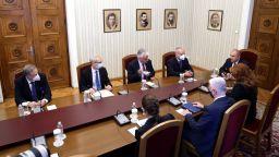 Извънредната среща за Covid-19 при президента: Мерките, децата, ваксинция, тестове, антитела