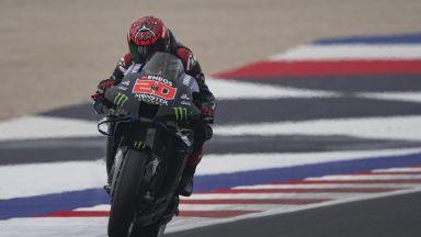 Драма и падане преди края решиха шампионската битка в Moto GP