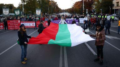 """COVID протест блокира """"Орлов мост"""""""