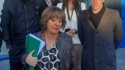 "Манолова депозира в съда жалба с 56 подписа срещу ""зеления сертификат"""