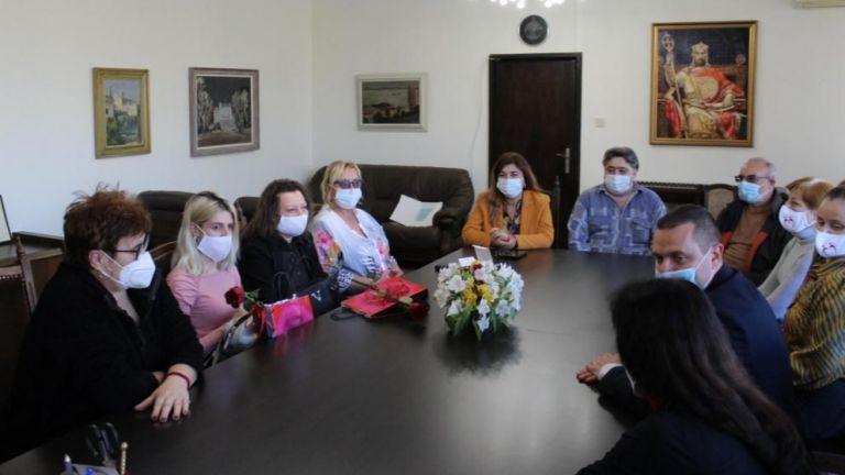 В Русе отличиха героите от пожара в местна болница