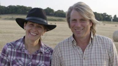 """Бети и Ники от """"Фермата"""" станаха баба и дядо на момченце и момиченце"""