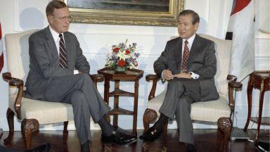 Почина бившият южнокорейски президент Ро Де-у, извървял пътя от триумфа до затвора