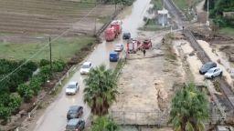 Свлачища, прекъснати пътища, жертви: Буря удари остров Сицилия (видео)
