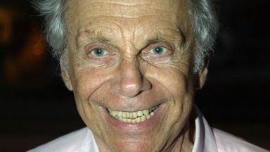 Комикът Морт Сал почина на 94-годишна възраст