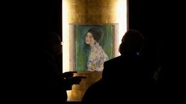 """Откраднатата картина """"Портрет на дама"""" на Густав Климт е представена на изложба в Рим (галерия)"""
