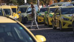 Такситата в София на два протеста днес, искат нова тарифа