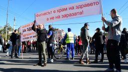 Бизнесът въстана срещу зеления сертификат, пак блокада на Орлов мост (снимки)